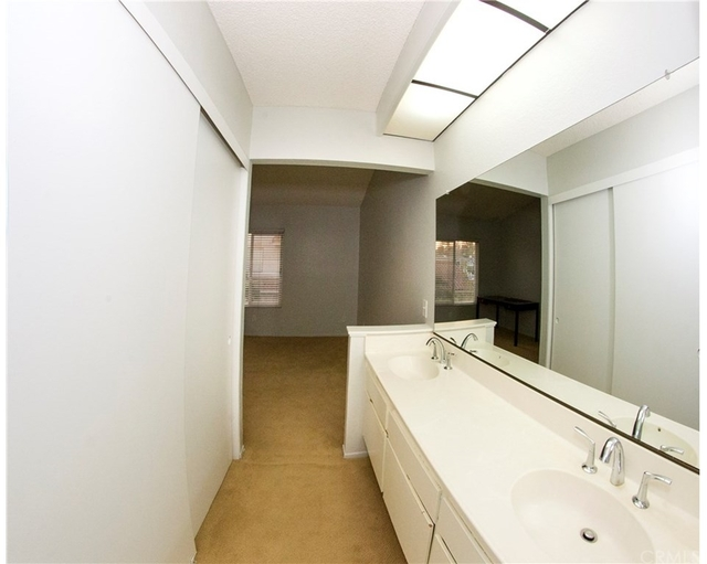 2 Bedrooms, Rancho Cucamonga Rental in Los Angeles, CA for $1,900 - Photo 2
