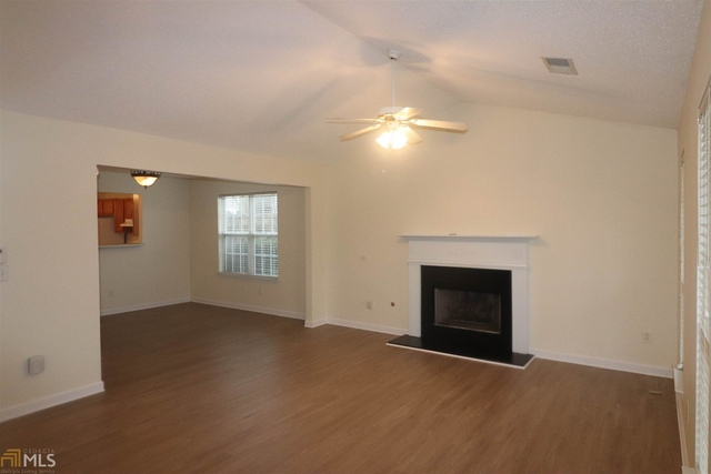 3 Bedrooms, Grove Park Rental in Atlanta, GA for $1,400 - Photo 2