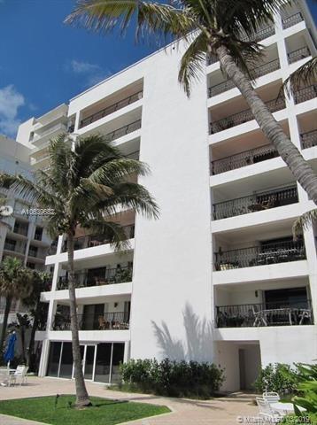2 Bedrooms, Oceanfront Rental in Miami, FL for $2,795 - Photo 2