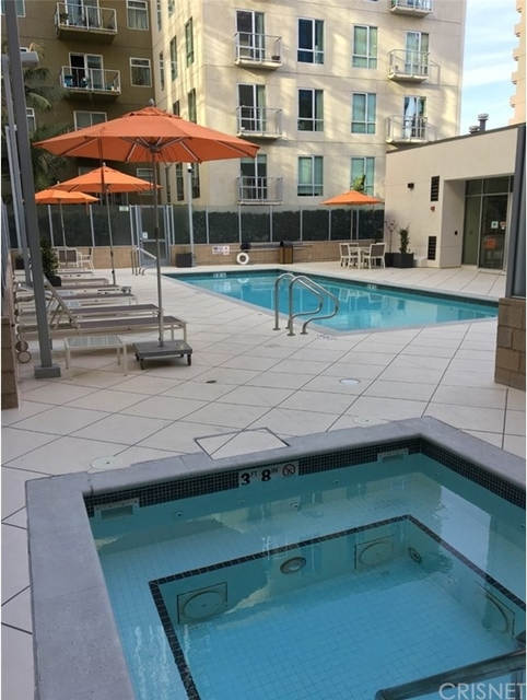 1 Bedroom, South Park Rental in Los Angeles, CA for $2,649 - Photo 1