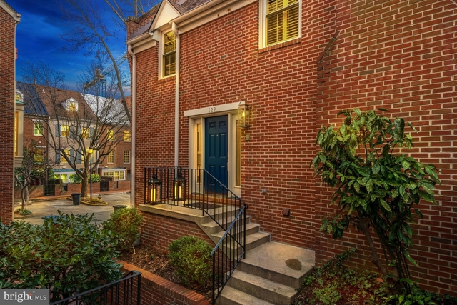 3 Bedrooms, Waterford Rental in Washington, DC for $4,350 - Photo 1