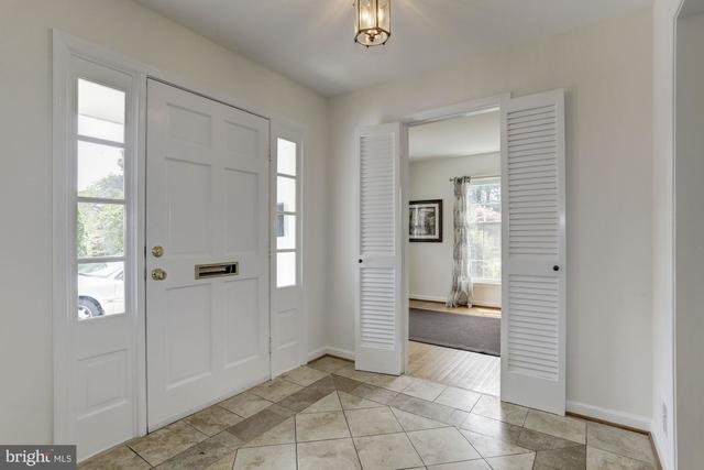 5 Bedrooms, Potomac Rental in Washington, DC for $4,000 - Photo 2