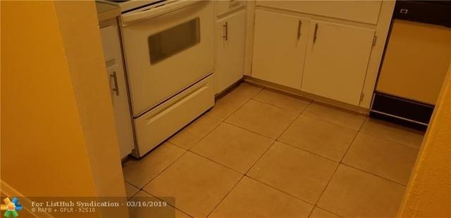 2 Bedrooms, University Drive Rental in Miami, FL for $1,250 - Photo 2