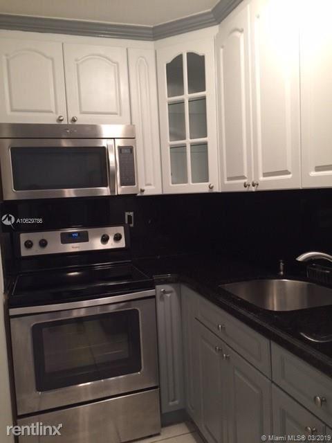 1 Bedroom, Northeast Coconut Grove Rental in Miami, FL for $1,500 - Photo 2