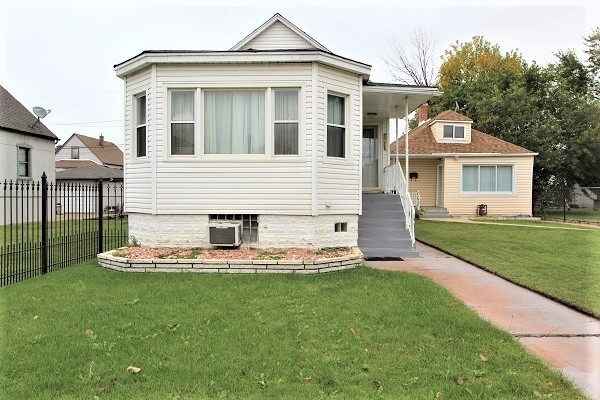 3 Bedrooms, East Side Rental in Chicago, IL for $1,200 - Photo 1