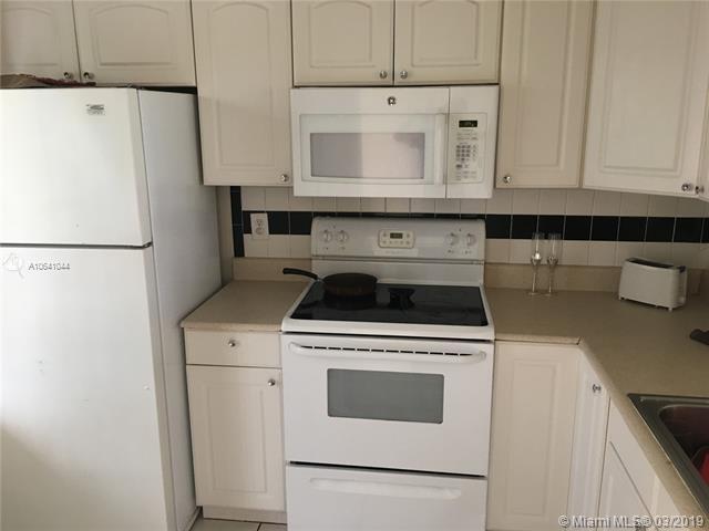 2 Bedrooms, Lakeshore at University Park Rental in Miami, FL for $1,375 - Photo 1
