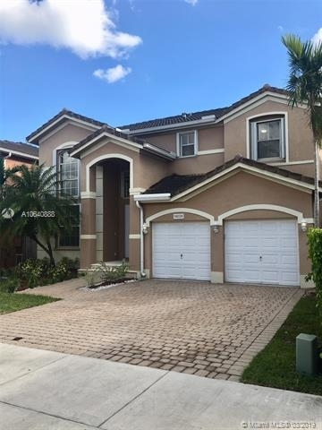 3 Bedrooms, Kendall Country Estates Rental in Miami, FL for $2,750 - Photo 2