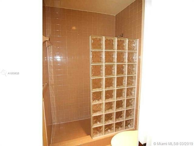 2 Bedrooms, Palm Aire Village East Rental in Miami, FL for $1,775 - Photo 2