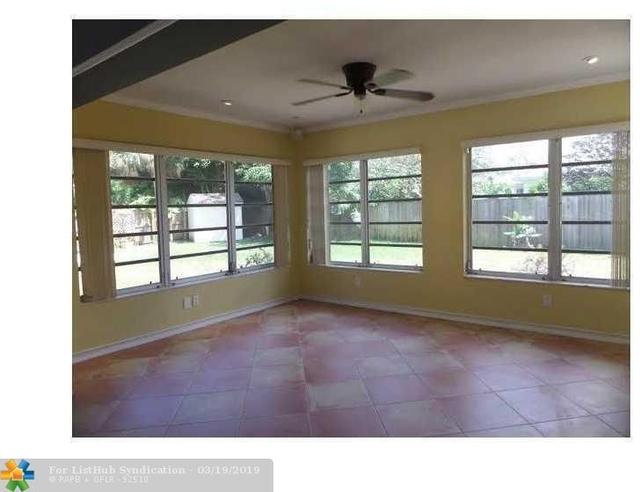3 Bedrooms, Oakland Park Rental in Miami, FL for $2,995 - Photo 2