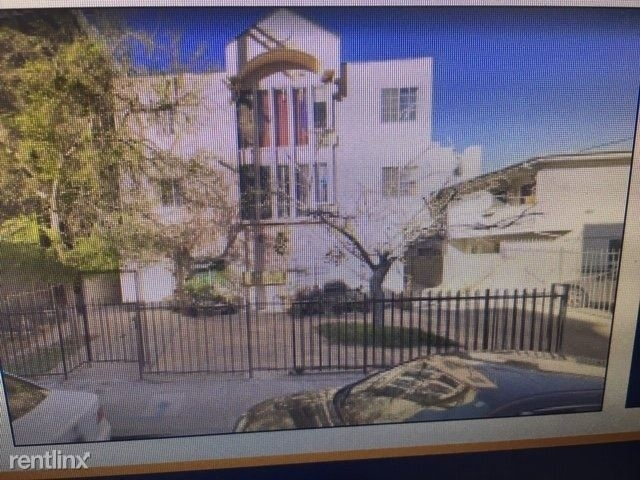 2 Bedrooms, NoHo Arts District Rental in Los Angeles, CA for $1,950 - Photo 1