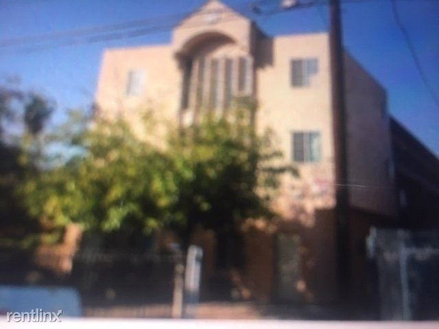 2 Bedrooms, NoHo Arts District Rental in Los Angeles, CA for $1,950 - Photo 2