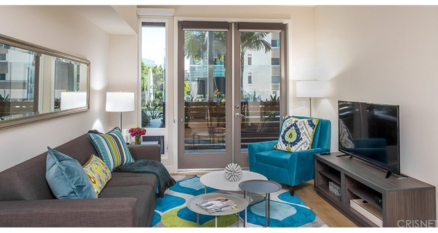 1 Bedroom, South Park Rental in Los Angeles, CA for $2,800 - Photo 2
