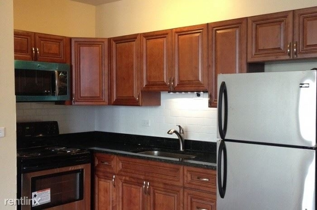 3 Bedrooms, Logan Square Rental in Chicago, IL for $1,700 - Photo 2