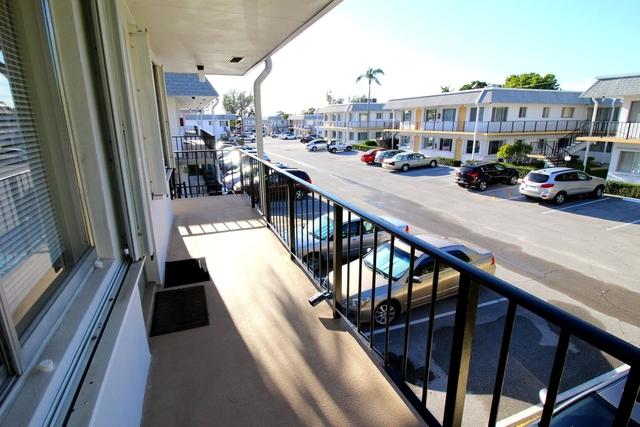 1 Bedroom, Murry Hills Condominiums Rental in Miami, FL for $875 - Photo 2