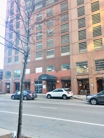 2 Bedrooms, Streeterville Rental in Chicago, IL for $2,800 - Photo 1