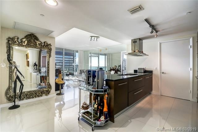 2 Bedrooms, Miami Financial District Rental in Miami, FL for $4,200 - Photo 2