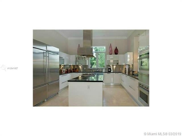 8 Bedrooms, Coral Gables Rental in Miami, FL for $20,000 - Photo 2
