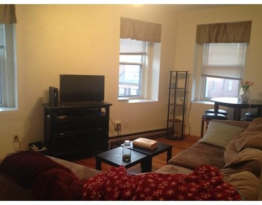 4 Bedrooms, North End Rental in Boston, MA for $5,500 - Photo 1