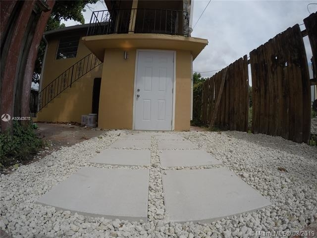 1 Bedroom, Westhaven Rental in Miami, FL for $900 - Photo 1