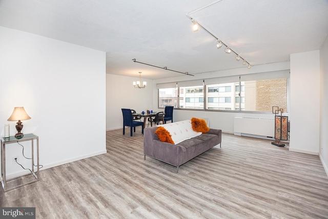 1 Bedroom, Friendship Heights Village Rental in Washington, DC for $1,800 - Photo 2