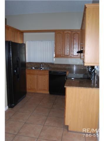 3 Bedrooms, Shenandoah Rental in Miami, FL for $2,540 - Photo 2