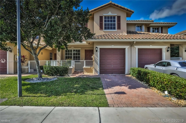4 Bedrooms, Rolling Hills Golf & Tennis Club Rental in Miami, FL for $2,495 - Photo 1