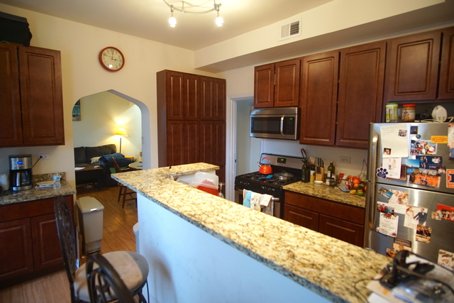 3 Bedrooms, Lakeview Rental in Chicago, IL for $2,900 - Photo 2