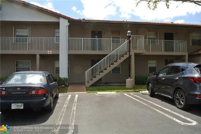 2 Bedrooms, Forest Hills Rental in Miami, FL for $1,300 - Photo 1