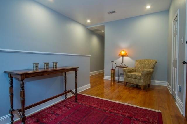 3 Bedrooms, Hyde Park Rental in Chicago, IL for $2,300 - Photo 2