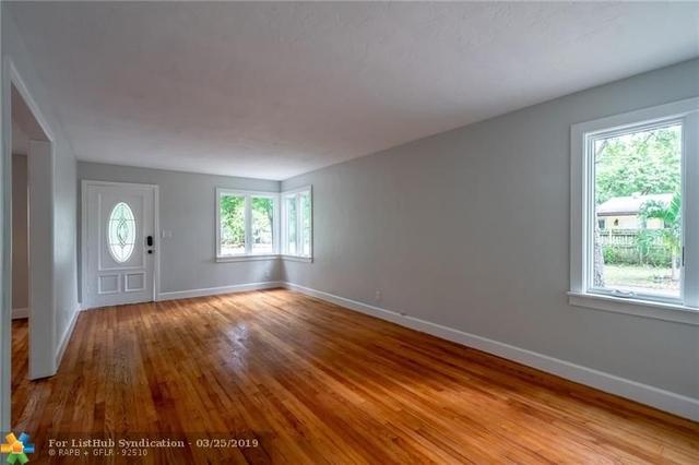 3 Bedrooms, River Oaks Rental in Miami, FL for $2,600 - Photo 2