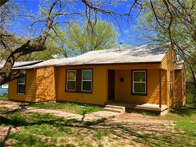 3 Bedrooms, South Hills Rental in Dallas for $1,200 - Photo 2