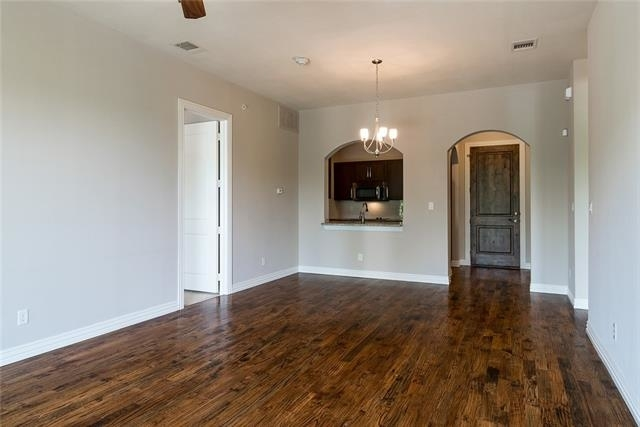 2 Bedrooms, South Central Colleyville Rental in Dallas for $2,275 - Photo 2