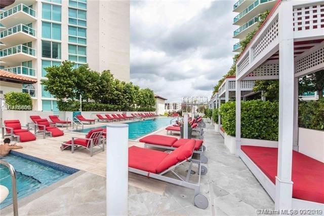 3 Bedrooms, Golden Shores Ocean Boulevard Estates Rental in Miami, FL for $4,200 - Photo 1