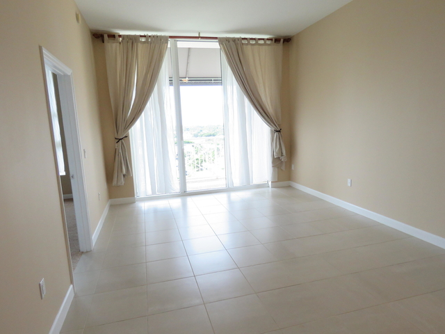 1 Bedroom, Downtown West Palm Beach Rental in Miami, FL for $1,750 - Photo 2