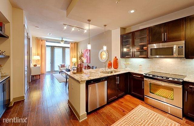 3 Bedrooms, Park Memorial Condominiums Rental in Houston for $3,406 - Photo 2