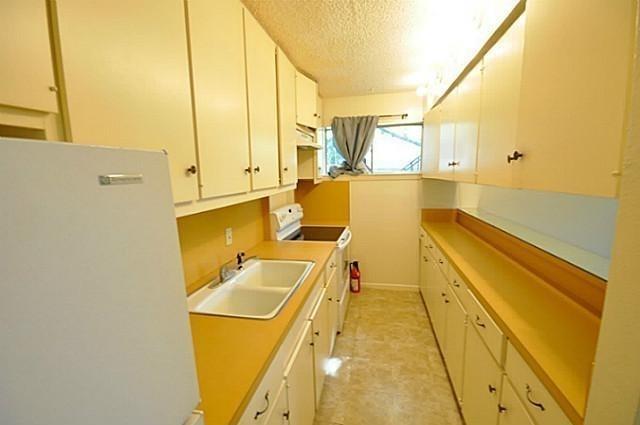 1 Bedroom, North Oaklawn Rental in Dallas for $875 - Photo 2