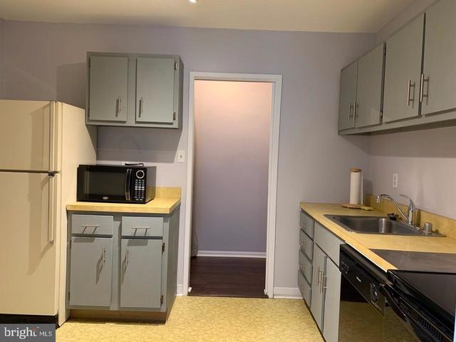 1 Bedroom, Oakton Rental in Washington, DC for $1,495 - Photo 2
