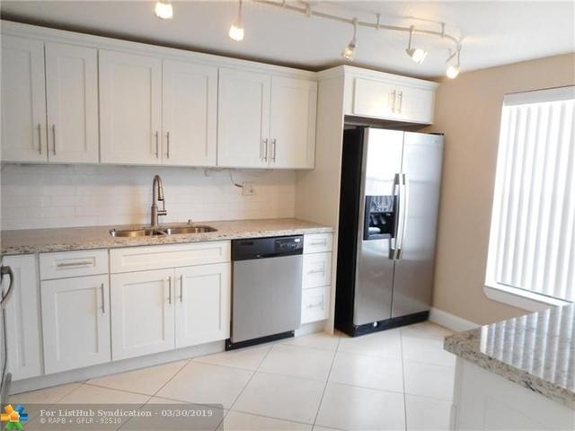 3 Bedrooms, Nova Hills Condominiums Rental in Miami, FL for $2,200 - Photo 2