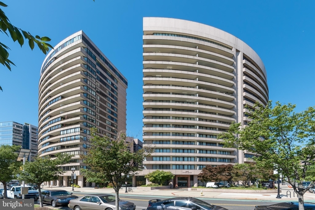 2 Bedrooms, Crystal City Shops Rental in Washington, DC for $3,100 - Photo 1