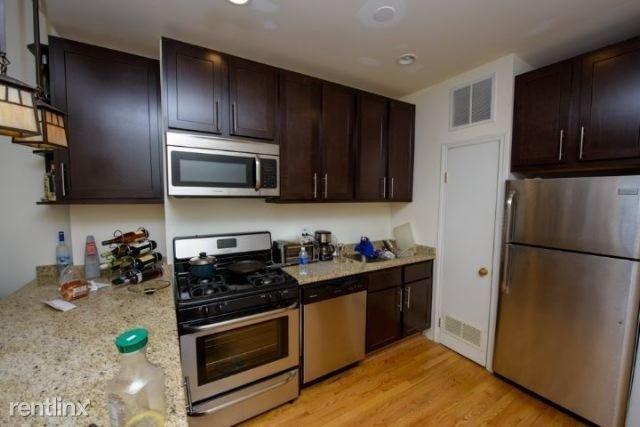 3 Bedrooms, Graceland West Rental in Chicago, IL for $2,550 - Photo 2