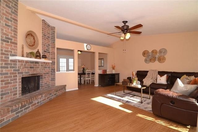 3 Bedrooms, The Colony Rental in Dallas for $1,700 - Photo 2