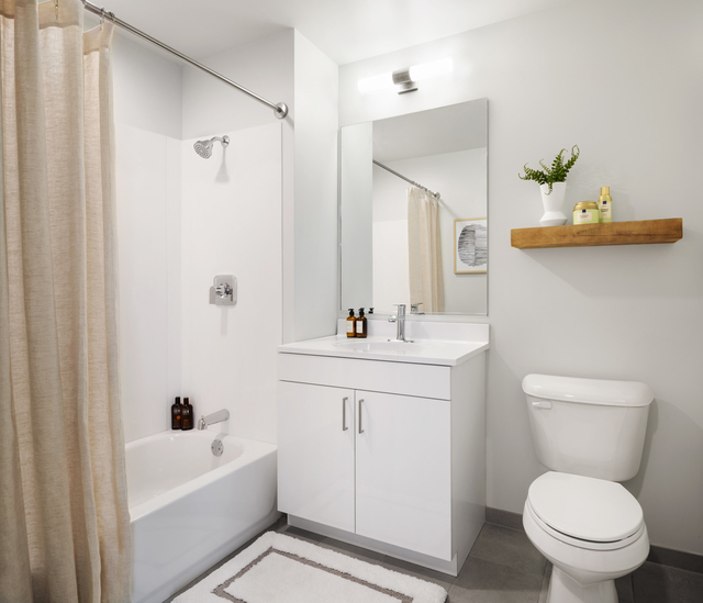 2 Bedrooms, University Village - Little Italy Rental in Chicago, IL for $2,100 - Photo 2
