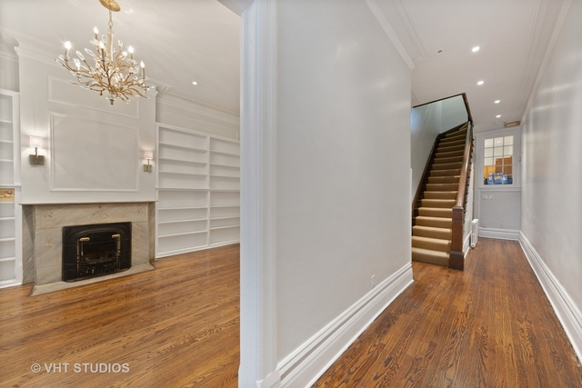 3 Bedrooms, Gold Coast Rental in Chicago, IL for $6,350 - Photo 2