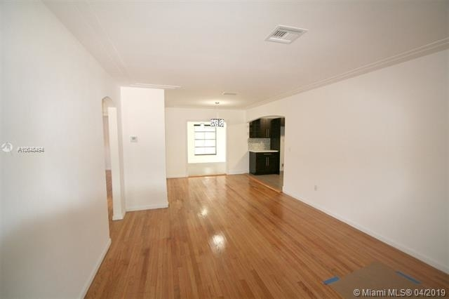 4 Bedrooms, Coral Way Rental in Miami, FL for $3,500 - Photo 2