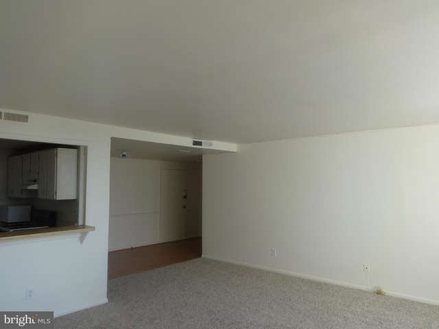 2 Bedrooms, Seminary Hill Rental in Washington, DC for $1,585 - Photo 2