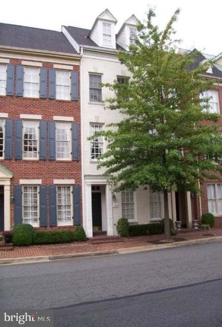 3 Bedrooms, Canal Way Rental in Washington, DC for $3,850 - Photo 1