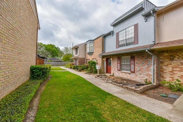 2 Bedrooms, Willow Oaks Rental in Houston for $1,400 - Photo 2