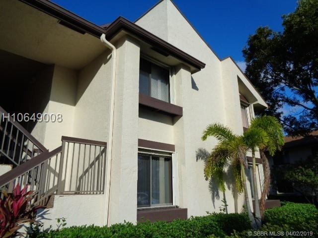 2 Bedrooms, Pine Island Ridge Rental in Miami, FL for $1,800 - Photo 1