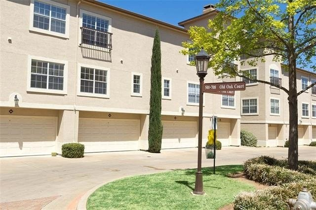 2 Bedrooms, Tarrant County Rental in Dallas for $2,080 - Photo 1