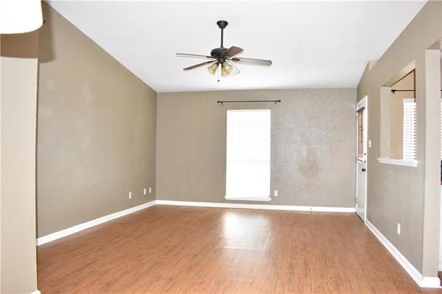 3 Bedrooms, The Colony Rental in Dallas for $1,500 - Photo 2